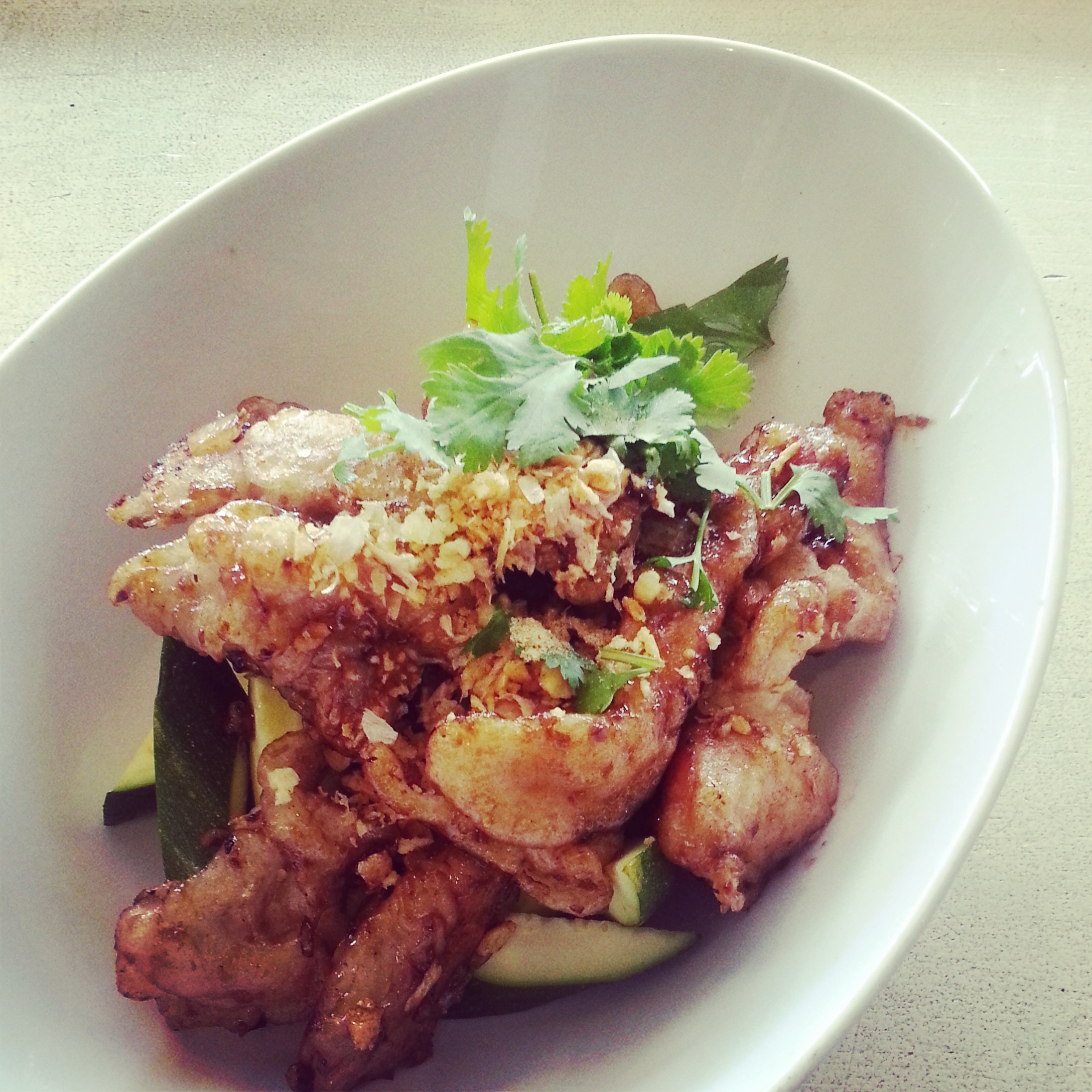 Thai garlic chicken stir fry recipe heart thai food garlic chicken stir fry gfcrispygarlicpepper forumfinder Choice Image